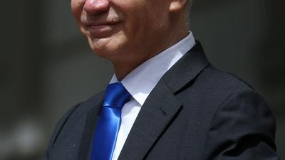 نائب رئيس الوزراء الصيني يجري محادثات مع مسؤولين تجاريين أمريكيين عبر الهاتف