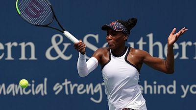 Venus stuns holder Bertens in Cincinnati, Serena withdraws