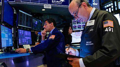 بورصة وول ستريت تصعد بدعم من تأجيل أمريكا فرض رسوم استيراد على بعض المنتجات الصينية