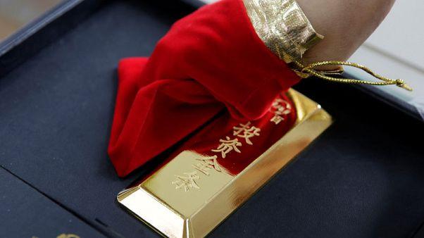 الذهب يرتفع مع إقبال المستثمرين على الملاذات الآمنة مع تزايد المخاوف من ركود عالمي