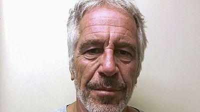Jeffrey Epstein's autopsy report finds broken bones in his neck - Washington Post