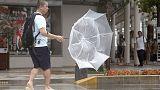 اليابان تنصح نحو 600 ألف شخص بإخلاء مناطق مع وصول عاصفة مدارية
