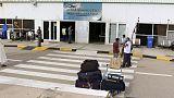 إغلاق المجال الجوي لمطار معيتيقة بالعاصمة الليبية بعد هجوم صاروخي ومقتل عامل