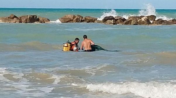 Morti i due fratellini dispersi in mare
