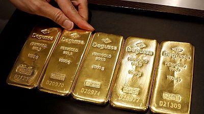 أسعار الذهب تحافظ على قوتها وسط علامات متباينة بشأن الاقتصاد والتجارة