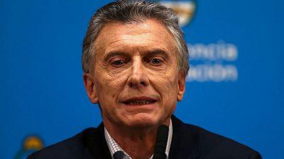 محادثات سياسية تدفع أسواق الأرجنتين للتعافي من بعض خسائرها الحادة