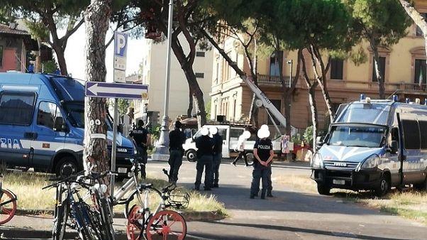 Tensione per taglio pini a Firenze