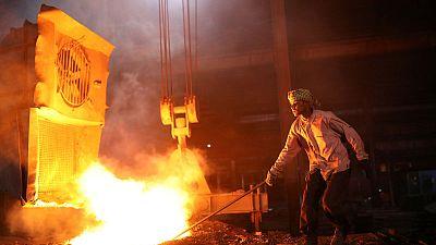 ضبابية النمو العالمي والحرب التجارية تدفعان المعادن الصناعية للهبوط