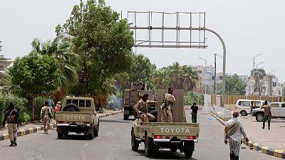 الانفصاليون باليمن ينسحبون من بعض المواقع بعدن