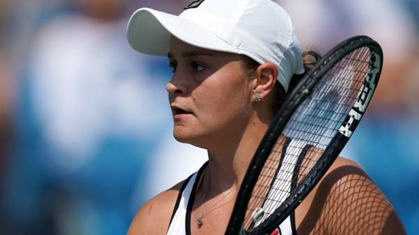 Barty fails to regain top ranking after falling to Kuznetsova