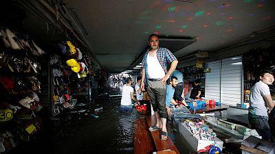 أمطار غزيرة في اسطنبول وفيضانات تجتاح البازار الكبير التاريخي