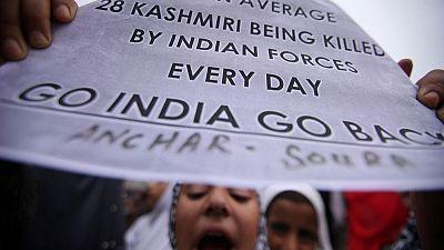 الهند تعاود فرض بعض القيود في كشمير بعد اشتباكات
