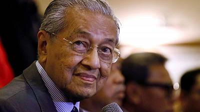 Malaysian PM urges Britain to 'break with Europe' on palm oil - Bloomberg