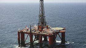 مصدران: مؤسسة البترول الصينية تعلق تحميل النفط من فنزويلا بسبب العقوبات الأمريكية