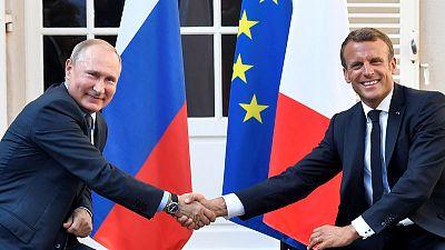 بوتين يبلغ ماكرون بأنه لا بديل للمحادثات بشأن أزمة أوكرانيا