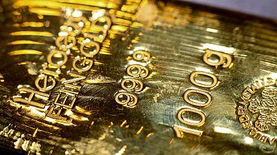 الذهب فوق 1500 دولار مع هبوط عوائد السندات بفعل آمال التحفيز