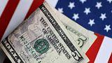 الدولار يضعف مع تجدد انخفاض عوائد السندات الأمريكية