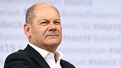 Germany's Scholz sees no sign Italy will trigger euro crisis