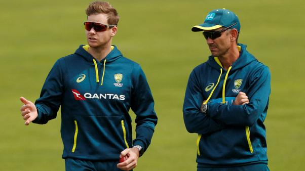 England must 'jump on' chance in third test with Smith out, says Root