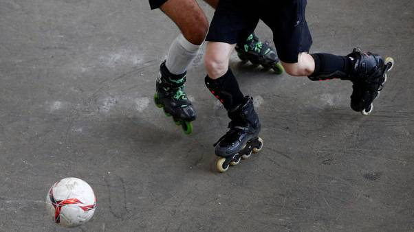 Nine teams vie for football on roller skates World Cup in Belgium