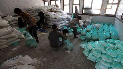 الأمم المتحدة تحذر من احتمال وقف 22 برنامج مساعدات لليمن في غياب أموال المانحين