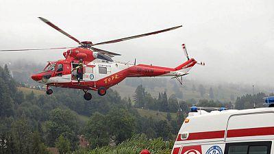 مقتل 4 وإصابة أكثر من 100 في عاصفة رعدية بجبال تاترا في بولندا