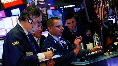 أداء متباين للأسهم الأمريكية مع انتظار المستثمرين كلمة رئيس مجلس الاحتياطي