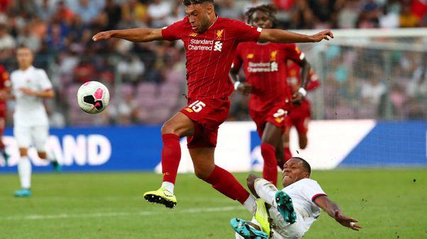Oxlade-Chamberlain signs new long-term Liverpool deal