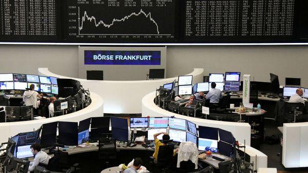 European shares grind higher ahead of Powell speech