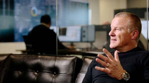 Woodford struggles to build bridges with UK financial advisers