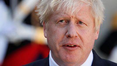 رئيس وزراء بريطانيا قلق بشأن حرائق غابات الأمازون