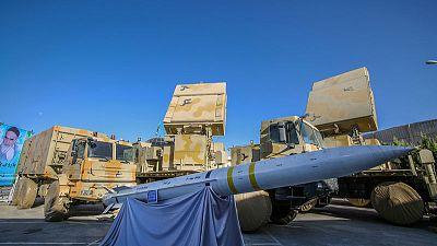 نائب وزير الدفاع: إيران لديها صواريخ عالية الدقة لم تكشف عنها
