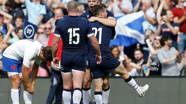 Scotland bounce back to beat France 17-14