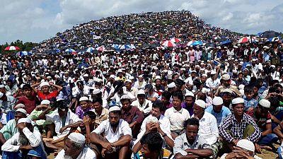 """مئة ألف من الروهينجا يحيون ذكرى """"الإبادة الجماعية"""" وسط توتر في المخيمات"""