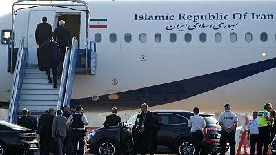 وزير الخارجية الإيراني يغادر مقر قمة مجموعة السبع في فرنسا