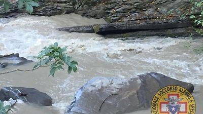 Soccorsi 20 escursionisti in un torrente