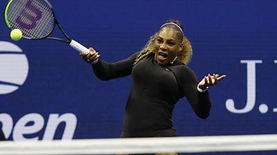 سيرينا تسحق شارابوفا وتبلغ الدور الثاني في أمريكا المفتوحة