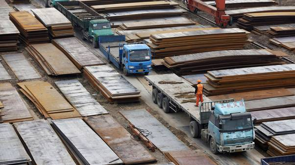 Spread between seaborne, port iron ore prices widens on shipment surge