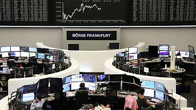 لندن تقود أسواق أوروبا للهبوط والمستثمرون يترقبون
