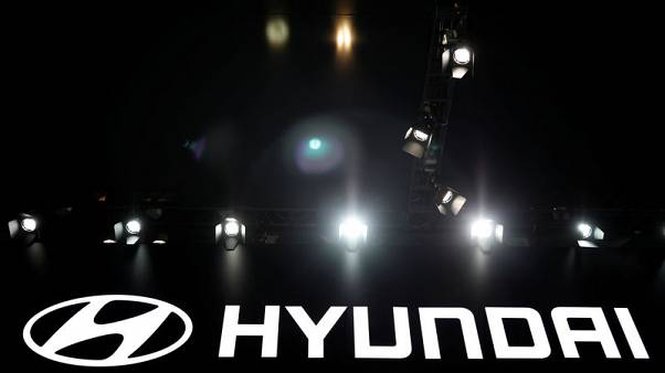 Hyundai Motor agrees wage deal, avoids strike for first time in 8 years