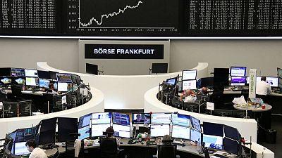 الأسهم الأوروبية تنخفض صباحا مع تنامي مخاوف الركود
