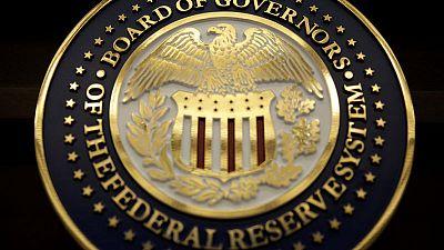 عضو بمجلس الاحتياطي الاتحادي يقول صانعو السياسة النقدية يراقبون تأثير خفض الفائدة
