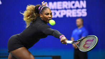 Serena survives scare to reach U.S. Open third round