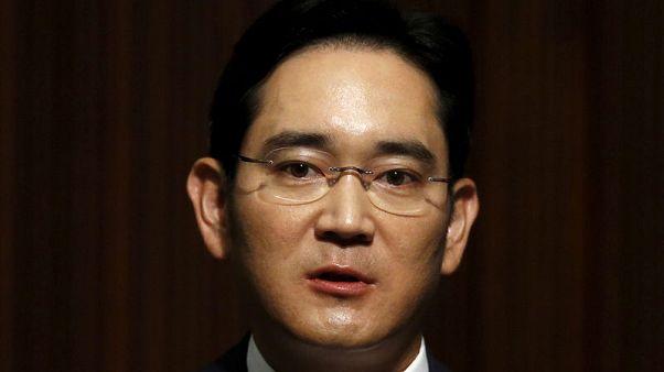 South Korea's top court returns Samsung heir Lee's bribery case for review