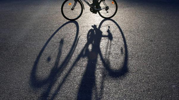 EU extends tariffs on Chinese bicycles, fearing import flood