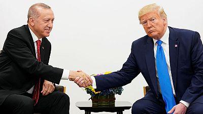 البيت الأبيض: ترامب وأردوغان بحثا هاتفيا قضايا منها التجارة وسوريا