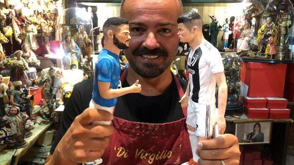 A san Gregorio Armeno è già Juve-Napoli