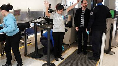 Lawsuit over U.S. airport screener abuses is revived