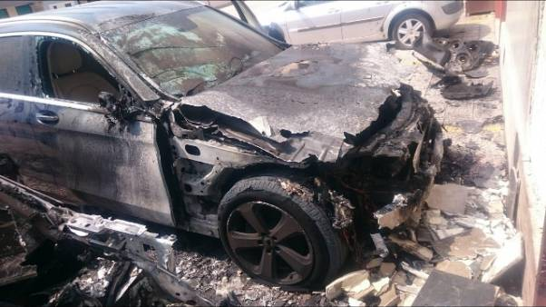 Bruciata auto medico legale Inps Foggia