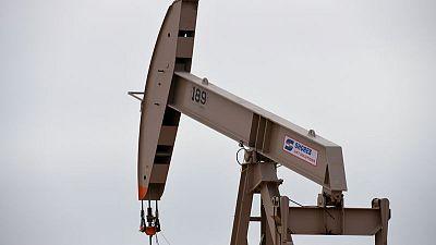Oil falls amid new round of tariffs in U.S.-China trade war